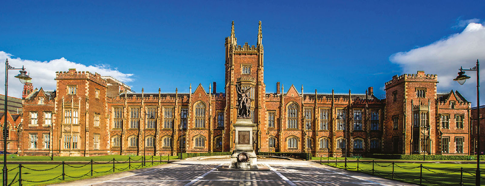 11 Reasons International Students Choose Queen's University Belfast for Studying Abroad!